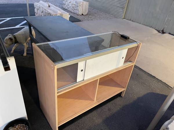 Photo Retail display cases - $500 (South valley)