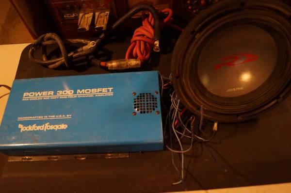 Photo Rockford Fosgate Mosfet 300 Amp - Blue - RARE 881 Watts - 10quot Alpine R - $1 (ABQ)