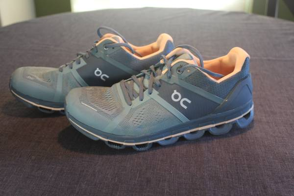 Photo Running Shoes ON Cloud X Women39s Size 9 - 9 12 - $65 (albuquerque)
