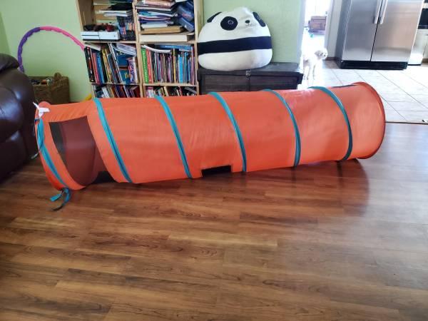 Photo Thomas The Train Tunnel toy - $15 (Albuquerque)