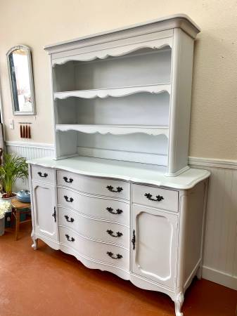Photo White French Provincial 2 Pieces Buffet and Hutch - $499