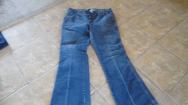Photo Women39s GAP Regular Jeans - $20 (Albuquerque)