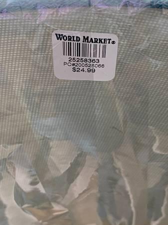 Photo World market l new - $30