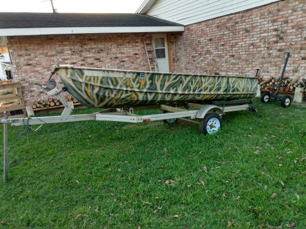 Photo 1339 Jon Boat with trailer, Motor  TITLE , John Boat - $1,995 (Columbus)