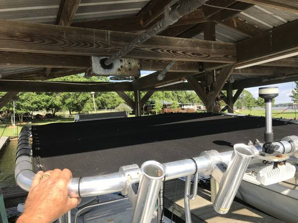 Photo 18ft Kenner Center Console Fishing Boat - $13,500 (Thornton, TX)