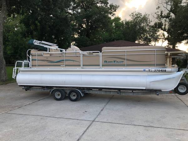 Photo 2004 party craft pontoon 22ft 115hp very low hrs - $26,500 (Spring conroe)