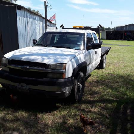 Photo 2007 Chevy 2500 4WD 6.0 old body style - $4,000 (Marquez)