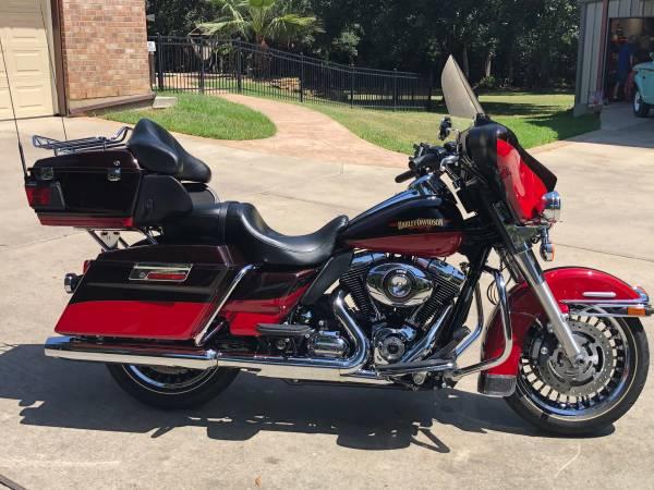 Photo 2010 Harley Davidson Ultra Classic Limited - $12,500 (Splendora)