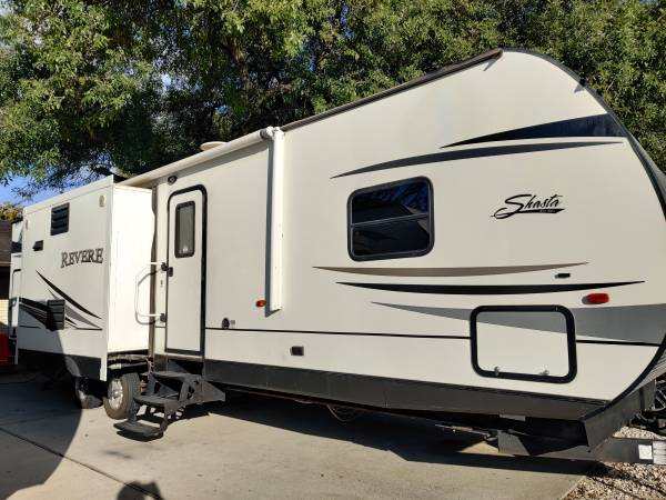 Photo 2015 forest river 37ft 3 slide outs two bedroom - $15,500 (Houston tx)