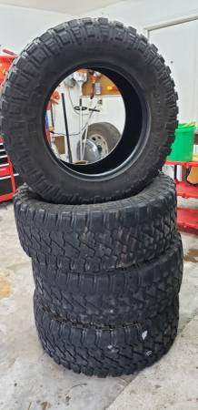 Photo 37x13.50R20 Fury MT - $500