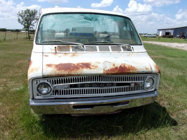 Photo 72 dodge motorhome dually truck - $499 (Bryan, Texas)