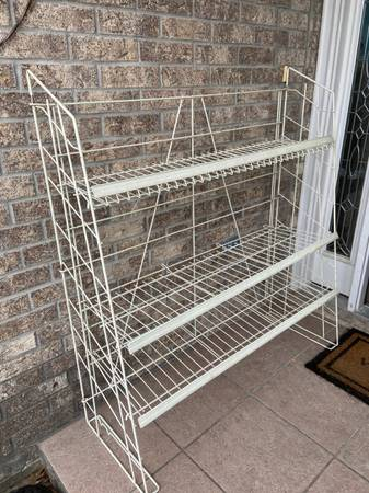Photo A wire shelf for tools - $15 (College Station)