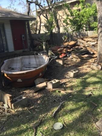 Photo Bonfire wood and hot tub spa (Austin)