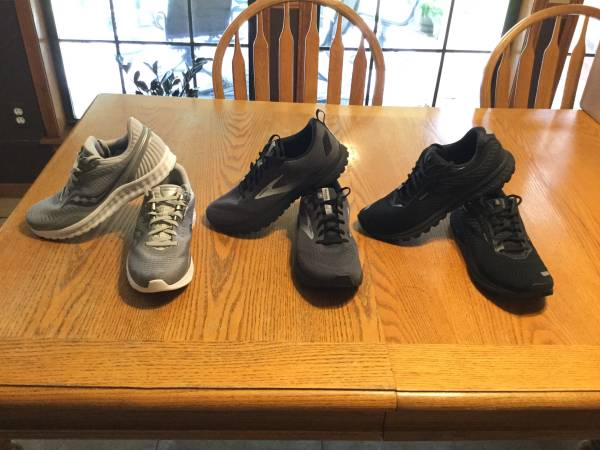 Photo Brand New Brooks Ghost Shoes For Sale (College Station)