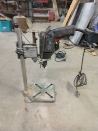 Photo Craftsman Drill Press with Drill - $45 (Brenham)