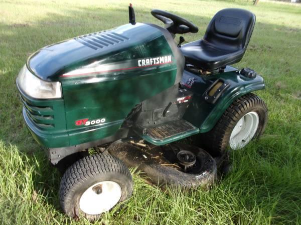 Photo Craftsman Riding Tractor GT3000 Mower - $1,295 (Bryan, Texas)