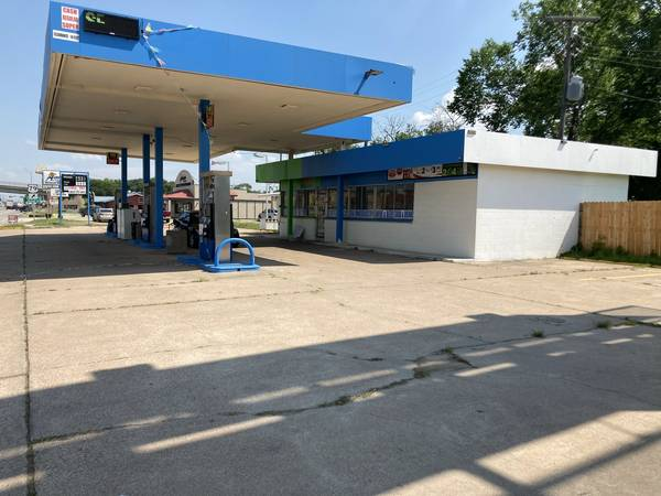 Photo GAS STATION FOR LEASE SALE - $4,300 (HEARNE)
