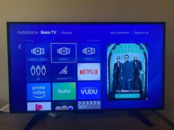 Photo Insignia 32 Roku smart TV - $125 (College Station)