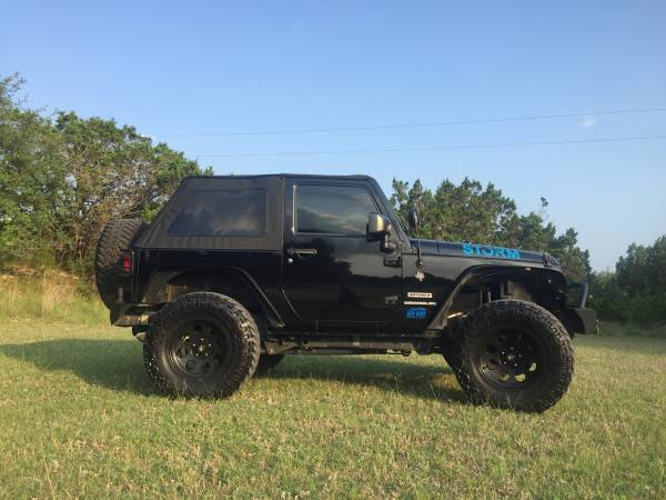Photo Lifted 2015 Jeep Wrangler Sport-Black - $19900 (College Station)