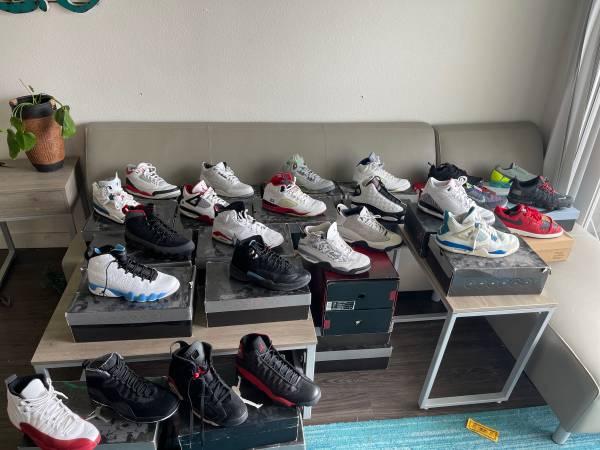 Photo Nike Air Jordan VaporMax OG Jordan Collection - $10 (College Station)