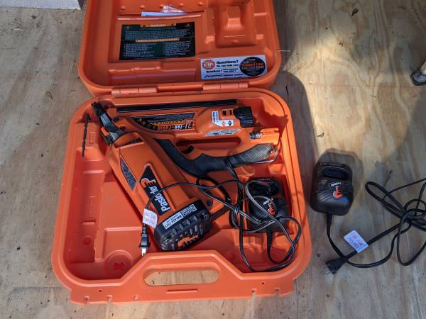 Photo Paslode Cordless 30 degree framing nailer - $200 (Bryan)