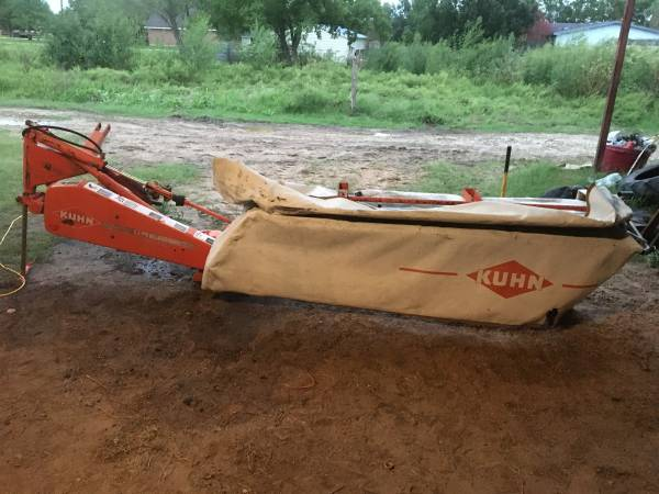 Photo REALLY NICE Kuhn GMD 66 8ft Hay Cutter - $3,400 (Bryan)