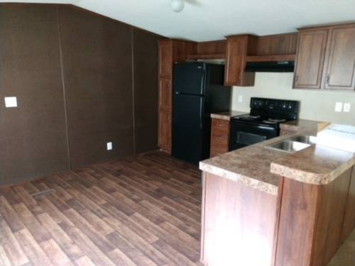 Photo Single Wide Mobile Home Used 3 bed w bath (Willis)