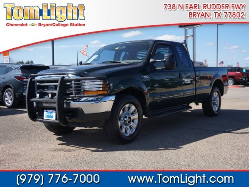 Photo Used 1999 Ford F250 2WD SuperCab Super Duty for sale