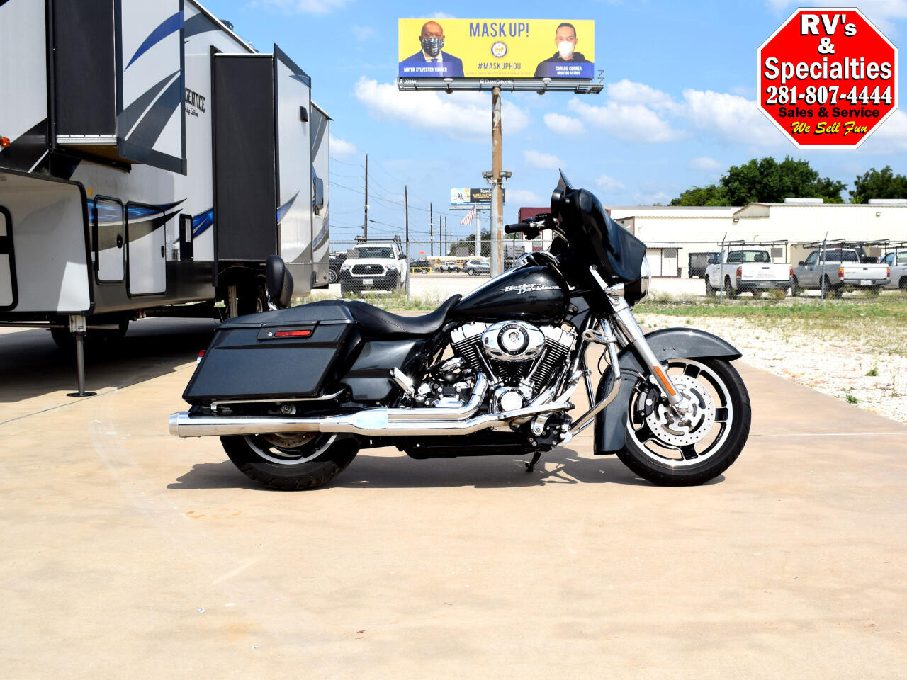 Photo 2009 Harley-Davidson Street Glide FLHX $10480