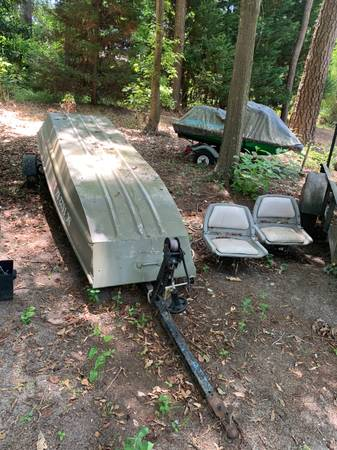 Photo 12ft Jon Boat with trailer - $1,200 (Columbia)