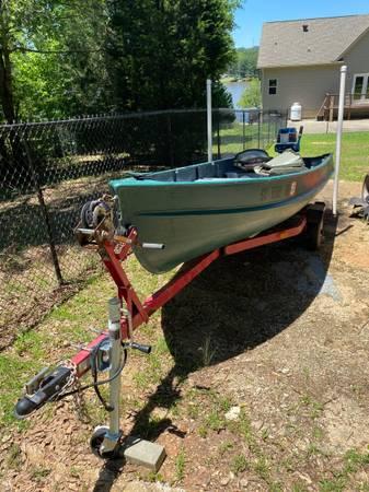 Photo 14 ft Jon Boat 18 hp Evinrude - $2,700 (Camden)