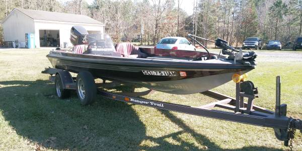 Photo 1995 RANGER BASS BOAT - $5800 (Cottageville)