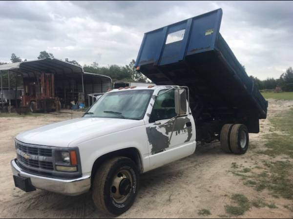 Photo 1995 chevy 3500 - $6500 (Columbia)