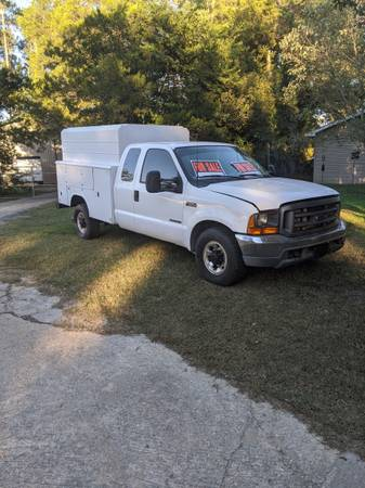 Photo 2000 Ford F250 with enclosed utility bed - $9,500 (Leesville)