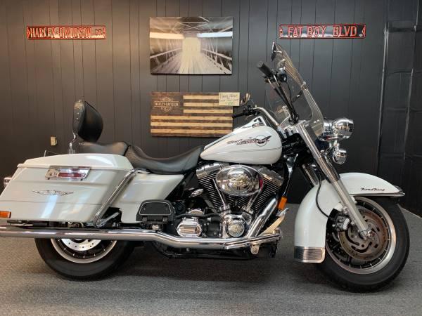 Photo 2005 Harley Davidson Road King - $7,900 (Lexington SC)