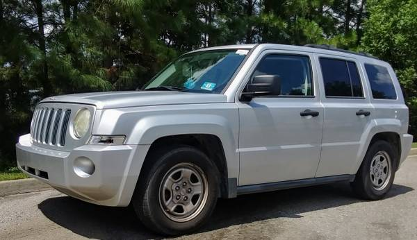 Photo 2008 Jeep Patriot- Needs Engine Work, shakes in idle, Body like new - $1,100 (West Columbia, cash today)
