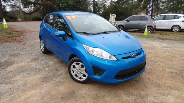 Photo 2013 Ford Fiesta SE 1.6L - $3495 (exit 91 chapin off rt 26)