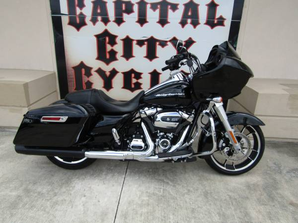 Photo 2020 HARLEY-DAVIDSON ROAD GLIDE - $22,995 (COLUMBIA, SC)