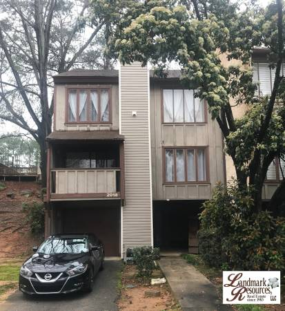 Photo 3 BR2 BA, 2,000Sq.Ft. Townhouse (COLUMBIA)