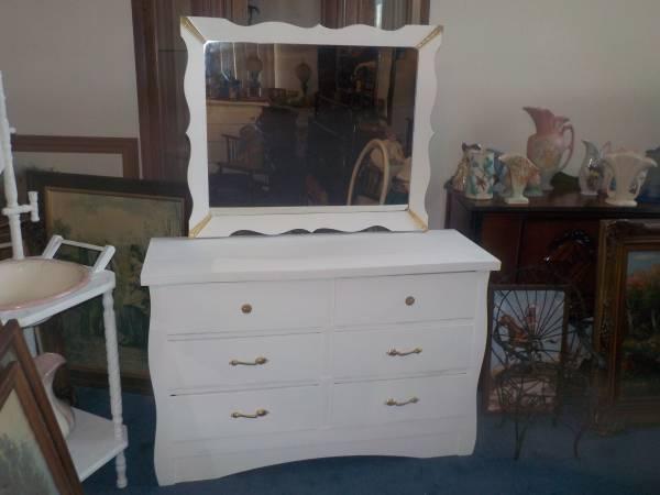 Photo Antique White Dresser With Mirror - $125 (sumter)