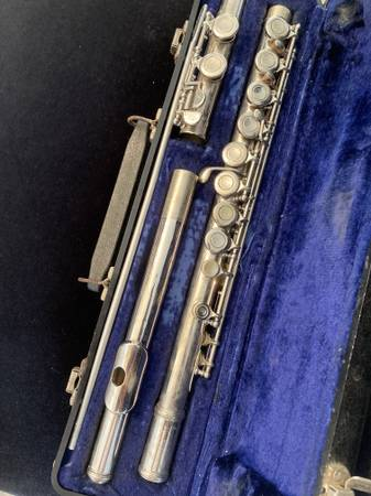 Photo Armstrong Flute - $60 (Cayce)