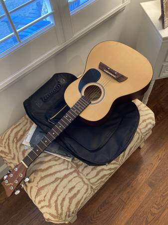 Photo First Act Acoustic Guitar - $40 (Cayce,SC)