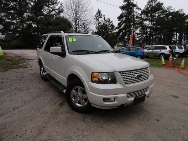 Photo GORGEOUS 2005 Ford Expedition 4x4 - $6495 (exit 91 chapin off rt 26)