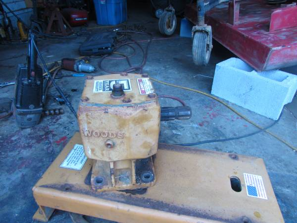 Photo Gear box from 639 Woods finish mower - $250 (Lancaster)