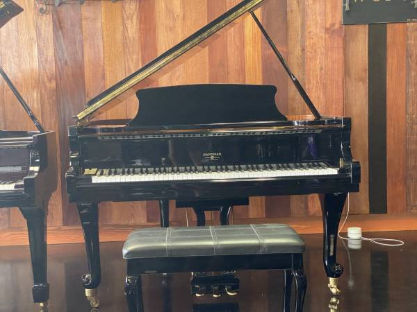 Photo HARDMAN Baby Grand Piano in PERFECT AS-NEW CONDITION FREE DELIVERY - $4,950 (Atlanta  Free Delivery)