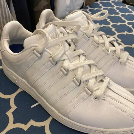 Photo K-Swiss Classic Sneakers Mens 10.5 - $35 (Columbia)