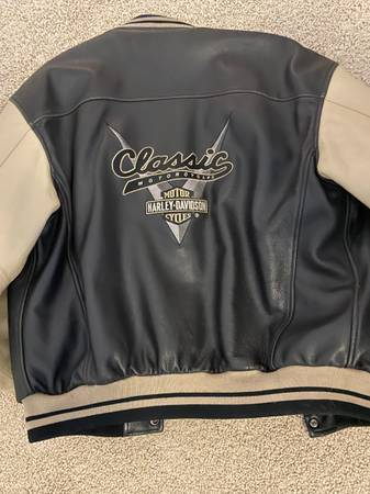 Photo Mens Harley Davidson Leather Jacket - $150 (Chapin)