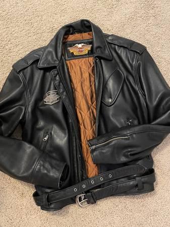 Photo Mens Harley Davidson leather jacket - $175 (Chapin)