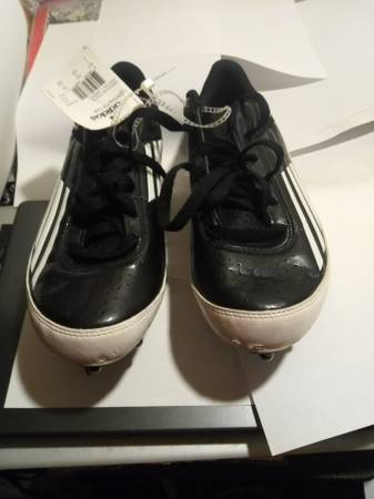 Photo New Adidas Lightning Fly - Football Low Cleat - Size 7 - $30 (Columbia)