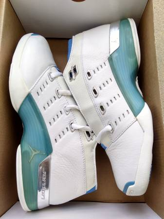 Photo New Nike Jordan XVII 17 low - $130 (Platt Springs Road West Columbia)